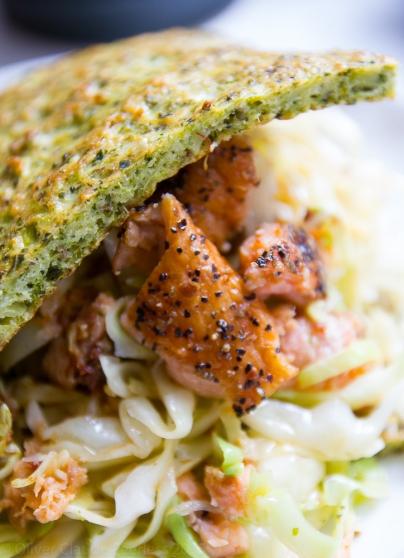 Brokolig wraps med laks og stegt spidskål
